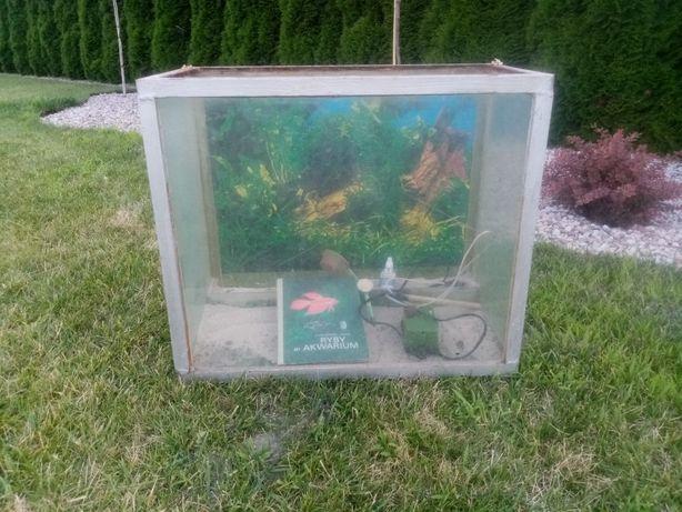 Akwarium Z Czasów PRL- U Z Całym Wyposażeniem