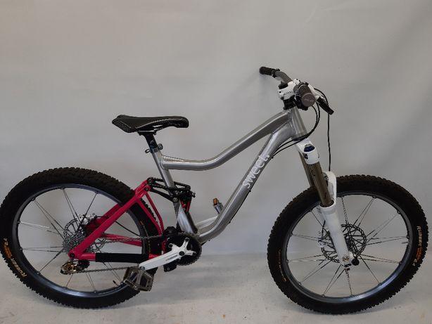 rower enduro FR/rock shox totem RC2 DH/koła lodine/sram x-0