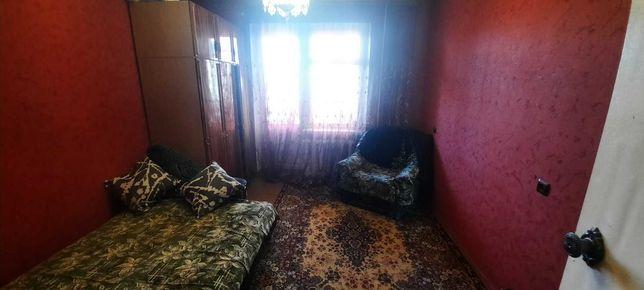Продається 3-кімнатна квартира по вул. Кобзарська (Пухова)