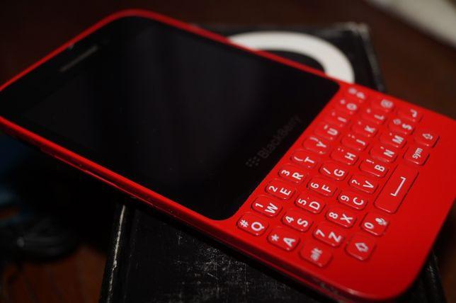 Blackberry Q5 телефон