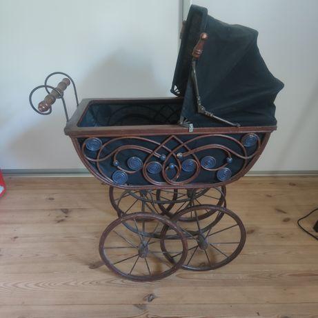 Wózek retro do sesji zdjęciowej