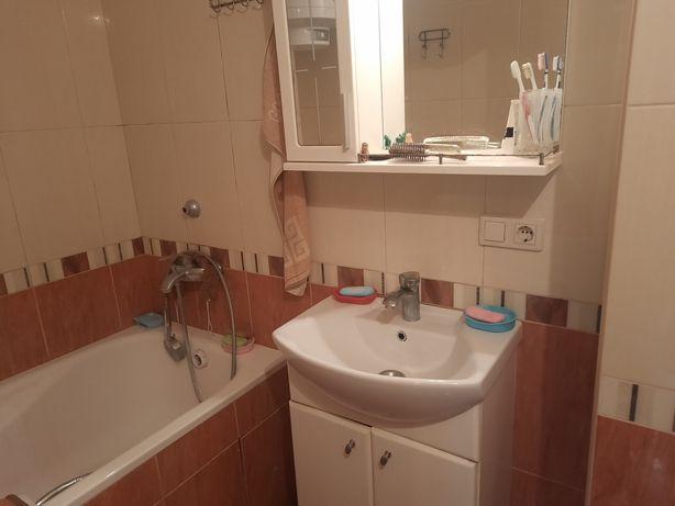 Продам 2 -х комнатную квартиру по ул Грушевского,52,продам 2к квартиру