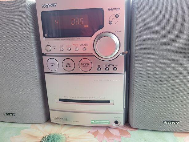 Wieża m-ki Sony Mp3 model CMT-NEZ3 Sprawna