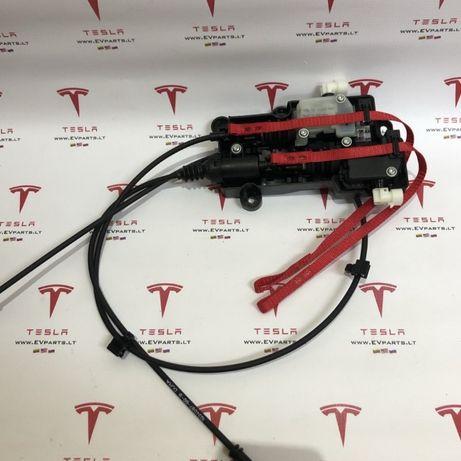 Tesla Model X запчасти