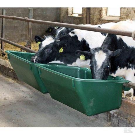 Wysokiej jakości karmidło dla bydła; 180 l; z tworzywa; z zawiesiem
