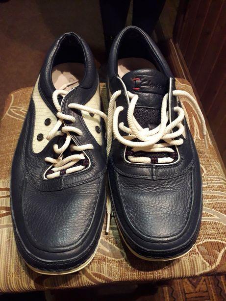 Clark's чоловіче взуття