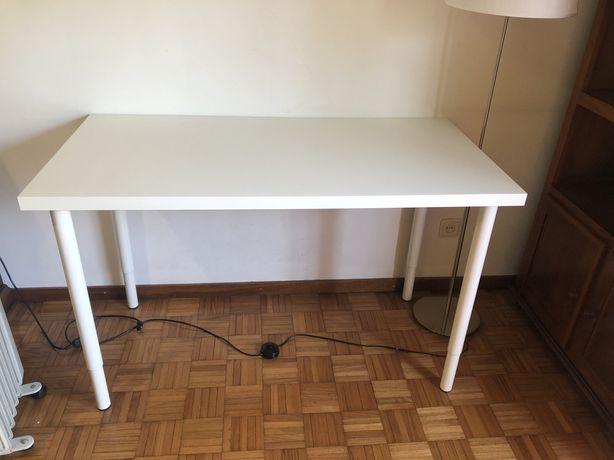 Secretaria IKEA branca altura ajustável