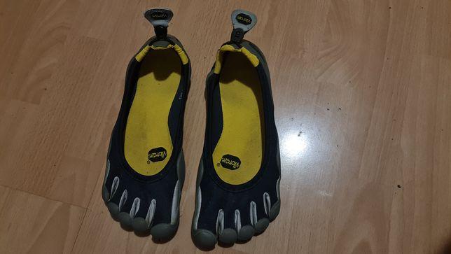 Кросовки для пробежки и легкой атлетики