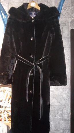 Шуба черная мутоновая