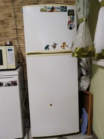 Холодильник Samsung самсунг