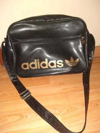 Sprzedam czarną torbę firmy Adidas.Pojemna, wygodna. Idealna do szkoły