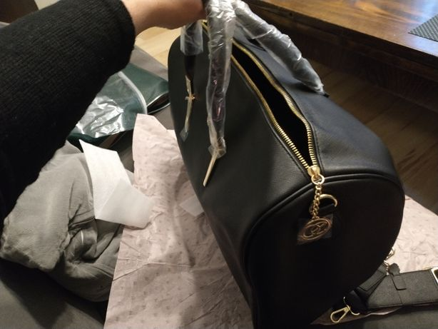 Czarna torebka,pojemna