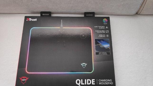 Podkładka Trust Gaming GXT 750 Qlide RGB (bezprzewodowe ładowanie)