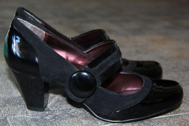 CLARKS туфли женские (38-39 размер)