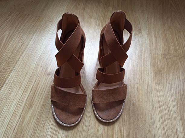 Skórzane sandały Ryłko elastyczne paski