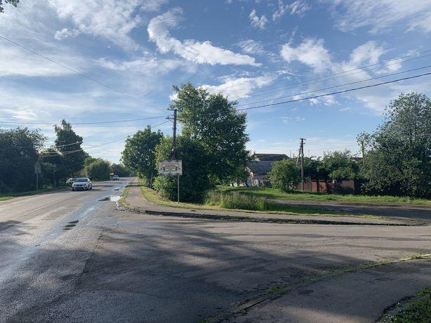 Продажа фассадного участка с домом Путровка