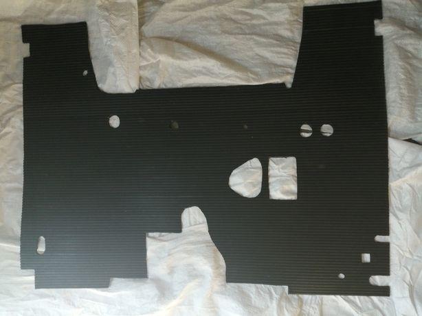 Коврик пола кабины МТЗ(малая кабина), ЮМЗ цельный из МБС-резины 6 мм