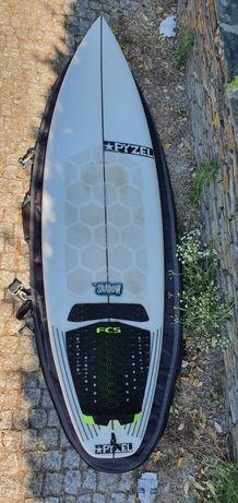 Prancha surf pyzel shadow 5'10
