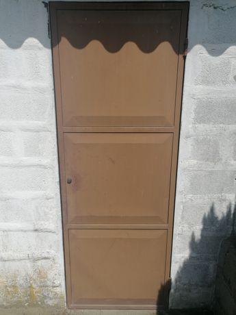 Porta de Ferro em Castanho