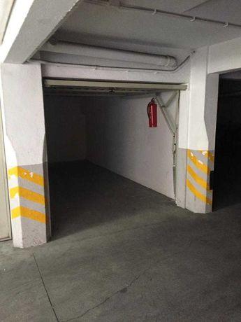 Arrendo GARAGEM Junto à Estação de Mem-Martins (140€)