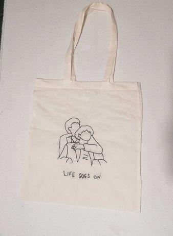 tote bags bordadas personalizadas (bts,kpop,anime, frases, séries,etc)