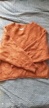 В'язаний свитер жіночий