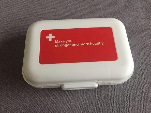 Портативная/компактная таблетница на 8 отсеков/органайзер для пігулок