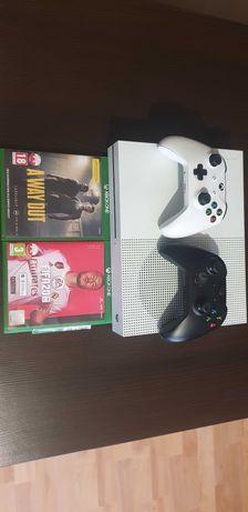 Xbox one s 1TB + 2 pady + gry