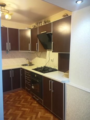 Продам 2 кімнатну квартиру на пр. Юності