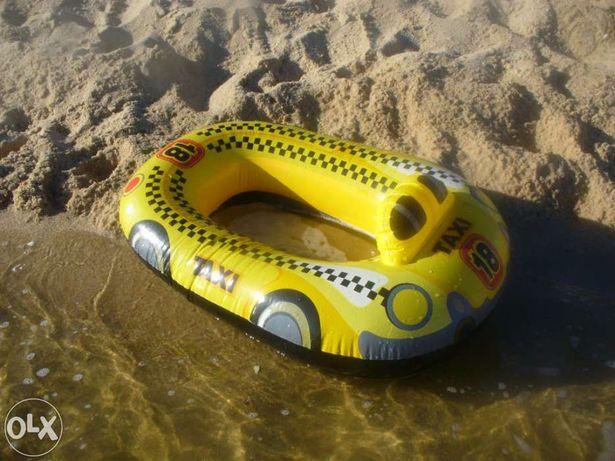 Barco insuflável para criança