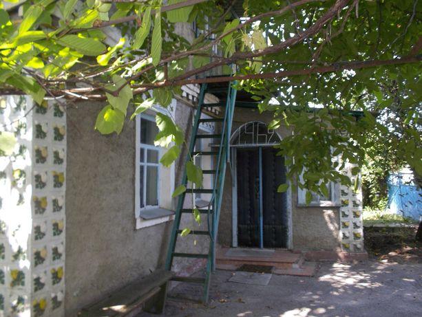 Срочно продам без комиссии дом в центре г. Березань, по ул. Парковая