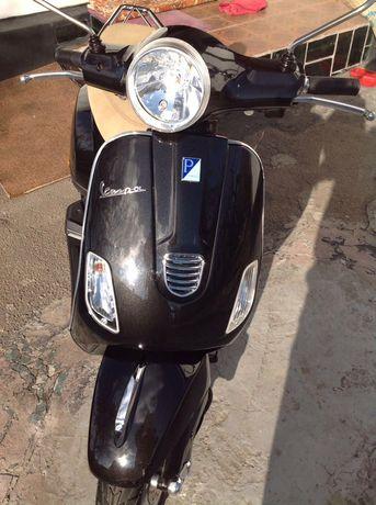 Скутер мотороллер Vespa xl50 piaggio