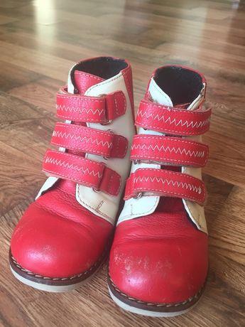Ортопедичне взуття для дівчинки(вальгусна деформація стопи)