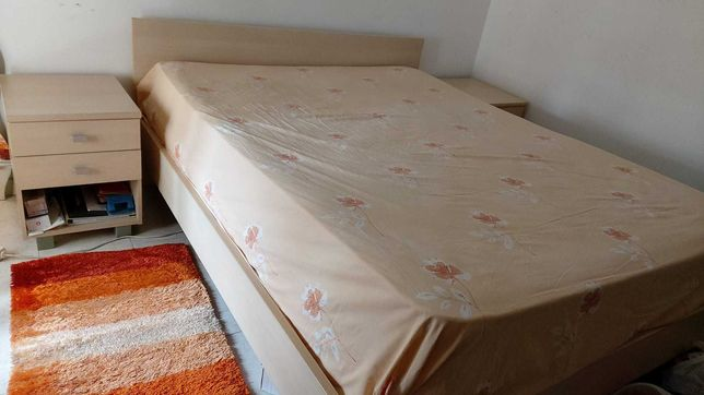Cama de Casal + Colchão + 2 Criados/Cabeceiras de cama
