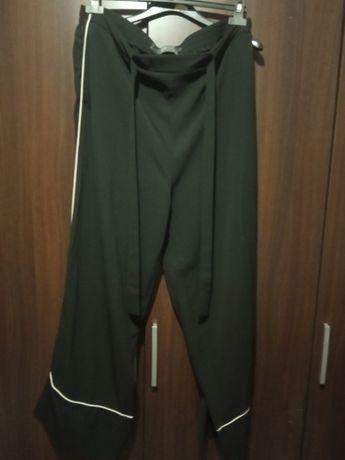 spodnie czarne szerokie nogawki