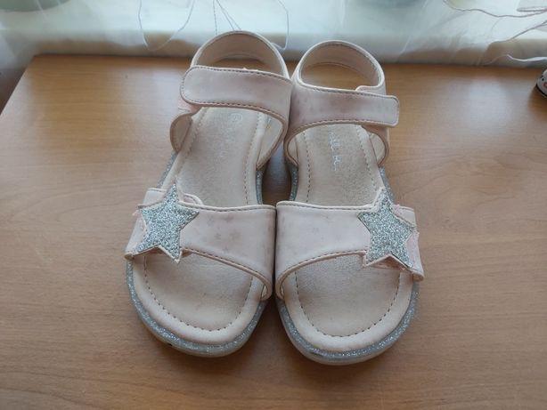 Sandałki dla dziewczynki 28