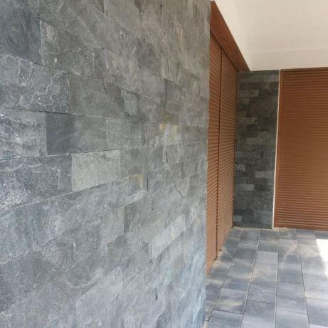 Płytki łupek Panel Kamienny Silver Grey 30x10cm / elewacja Kwarcyt