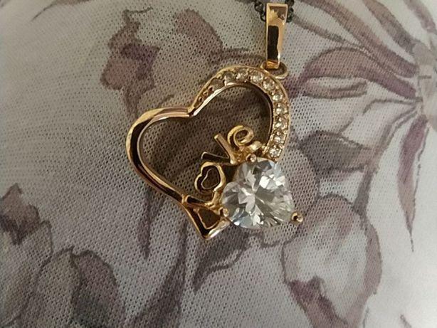 Кулончик Love для коханої людини