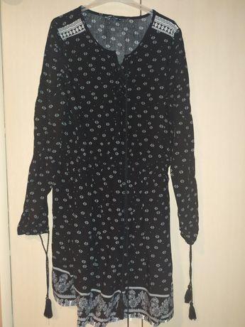 Sukienka Cropp czarna z wzorkami i sznurkami