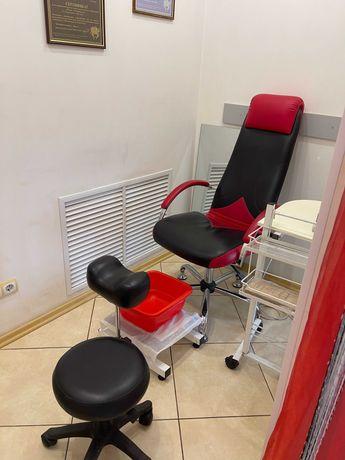 Кабинета косметолога и место мастера ногтевого сервиса