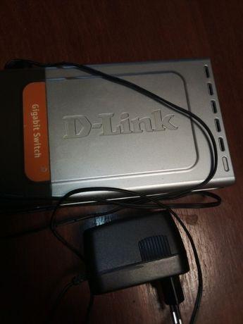 Свитч. Неуправляемый коммутатор D-Link DGS-1008D с 8 портами.