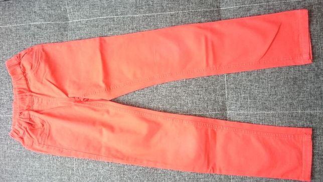 Spodnie Gerty C&A czerwone rozm. 134 dziewczynka