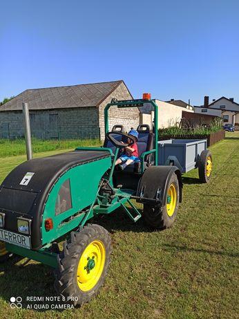 Traktor Sam oraz przyczepa