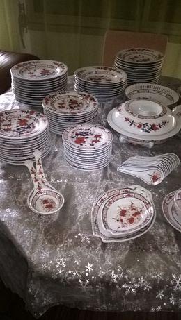 servico de jantar com  109 peças