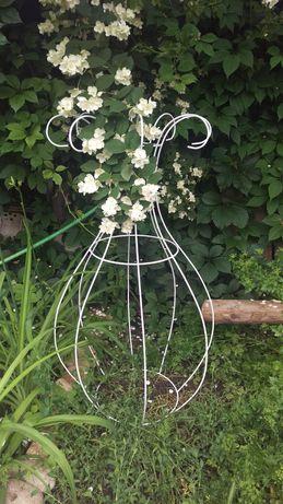Ваза (или бокал) для вьющегося растения, основа для светильника