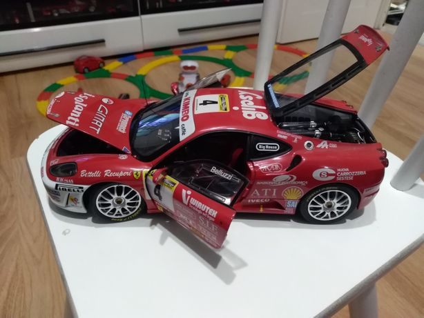 Ferrari f430 chellenge 1:18 Hot wheels elite.