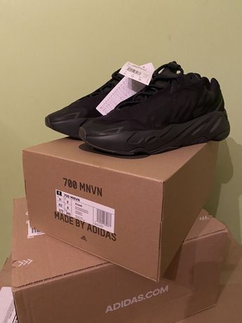 ADIDAS Yeezy Boost 700 MNVN Triple Black , FV4440, 43 1/3