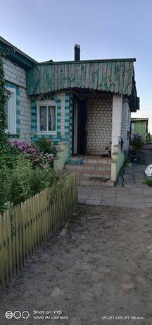 Дом в селі,гарна мисцевість.