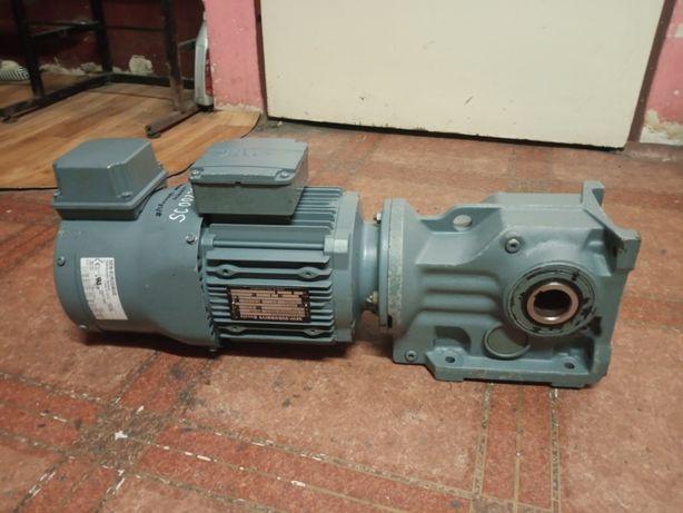 Motoreduktor 1.5kW 164 obr/min 400V SEW obce chłodzenie