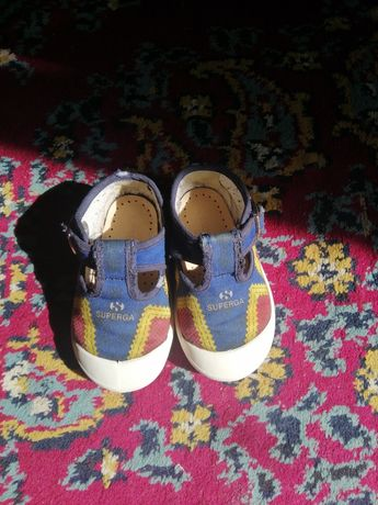 Взуття дитяче з Італії